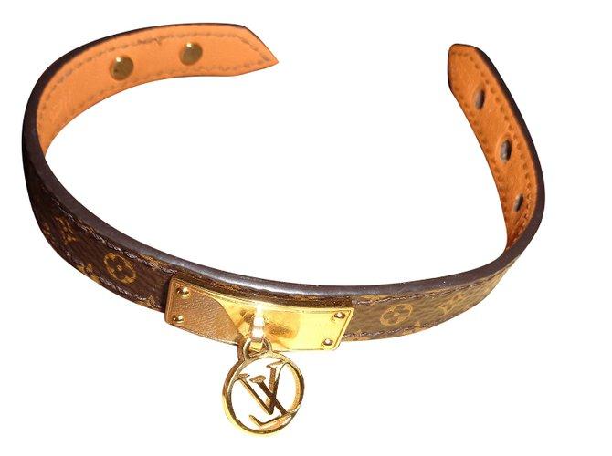 283111427c33 Bracelets Louis Vuitton Bracelets Cuir Marron ref.41725 - Joli Closet