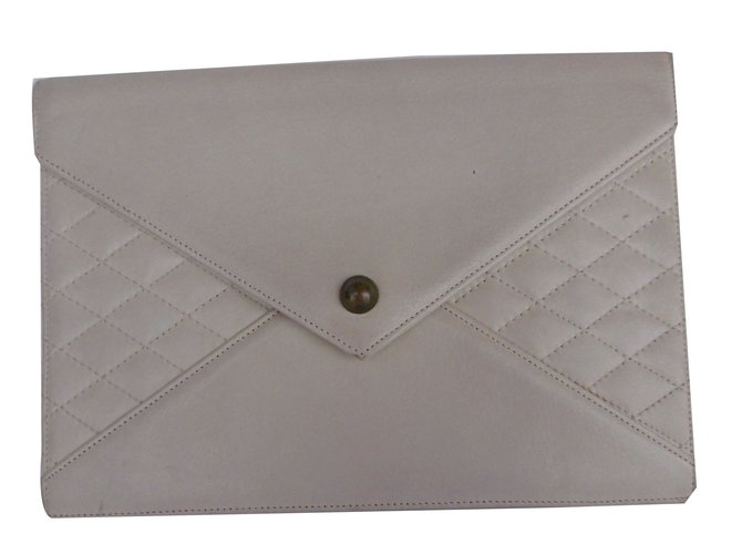 7ce768ec6bf0 Yves Saint Laurent Yves Saint Laurent Quilted Leather Envelope Clutch  Clutch bags Leather Beige ref.