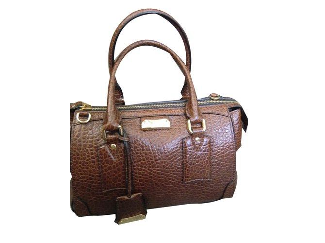 88976e5a1e40 Sacs à main Burberry Sac à main Cuir Chocolat ref.42635 - Joli Closet