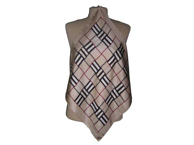 foulards burberry foulards soie beige joli closet. Black Bedroom Furniture Sets. Home Design Ideas