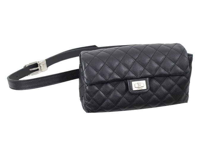 360133db6c8d Pochettes Chanel Uniform Cuir Noir ref.42724 - Joli Closet