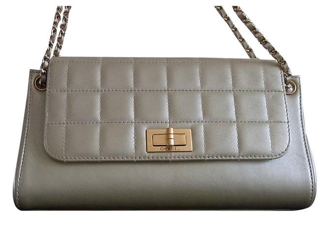 400641d2de198c Chanel classique accordion chocolate bar Handbags Leather Golden ref.42745