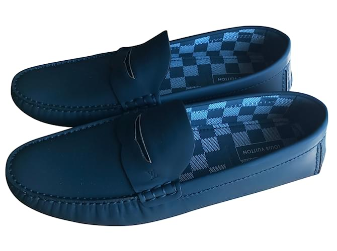 98469215f1a6 Louis Vuitton Shade Loafers Slip ons Loafers Slip ons Leather Navy blue  ref.43083