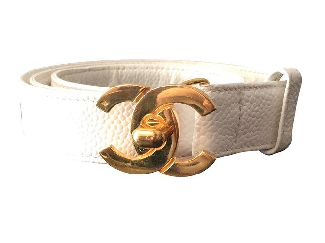 Ceintures Chanel Ceinture Chanel cuir et boucle CC dorée Cuir,Métal  Blanc,Doré ref d8441333000