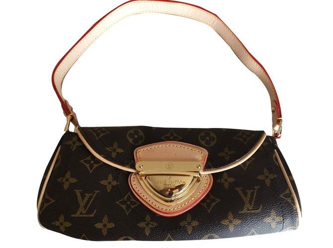 142334b8e89f Louis Vuitton Clutch Clutch bags Leather Multiple colors