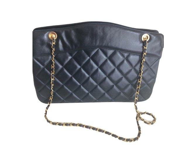 65e9c2aa10 Sacs à main Chanel Vintage beau sac porté épaule cuir bleu marine Cuir Bleu  Marine ref