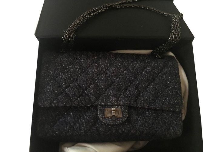 f401b6759160 Chanel Handbags Handbags Tweed Navy blue ref.43721 - Joli Closet