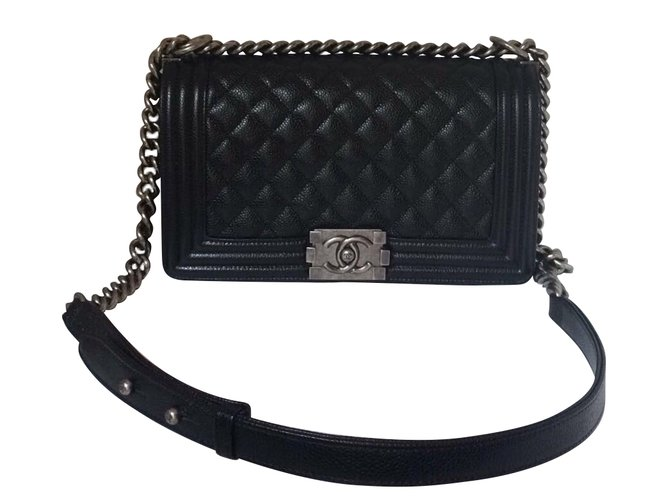 a07e7c5388d2 Chanel Sublime Chanel Boy Medium in black quilted grained leather Handbags  Leather Black ref.43844