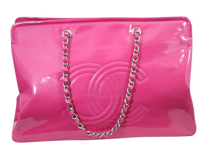 035325b7ff84c3 Chanel, Tote. $1,450 $2,013*. Add to my wishlist. Chanel bags in pink vein  leather.