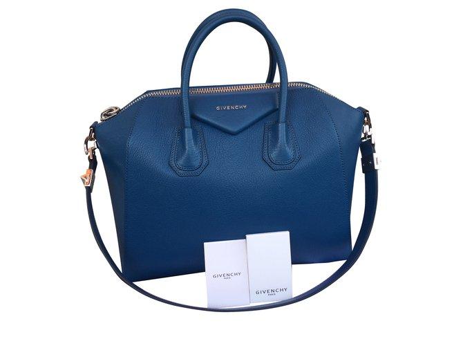 8f803ea40f8e Givenchy Antigona Handbags Leather Navy blue ref.44266 - Joli Closet