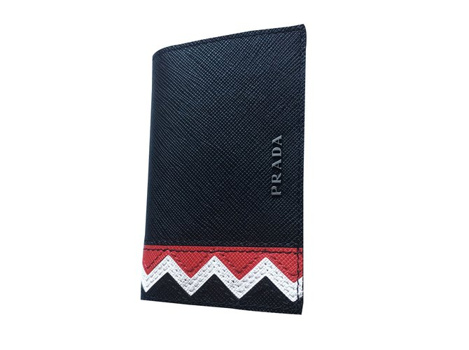 d44e7a8e8615 Prada Purse, wallet, case Wallets Small accessories Leather Black ref.44735