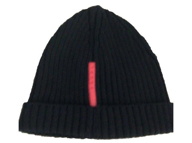 Chapeaux Prada Bonnet Laine Noir ref.45286 - Joli Closet e45619c6280
