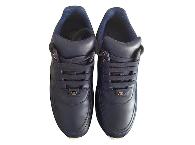 5eb636faa63c Chanel Sneakers Sneakers Leather Navy blue ref.45569 - Joli Closet