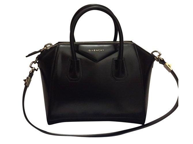 Sacs à main Givenchy Antigona small Givenchy Cuir Noir ref.45573