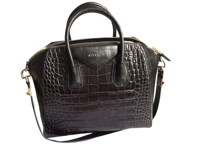 19b38c4dc9ef Givenchy Antigona Handbags Patent leather Black ref.46267 - Joli Closet