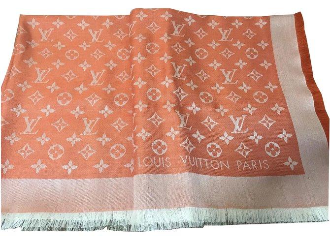 af28e2f53412 Louis Vuitton Scarves Scarves Silk Orange ref.46503 - Joli Closet