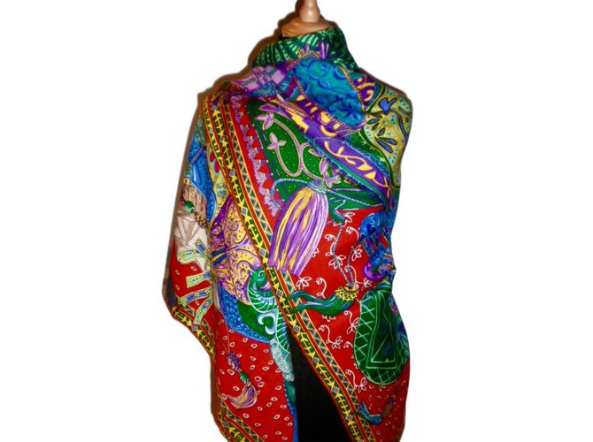 Carrés Hermès CAVALIERS du CAUCASE Cachemire Multicolore ref.47154