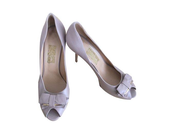 f878aa0ab558 Salvatore Ferragamo Heels Heels Leather Beige ref.47423 - Joli Closet