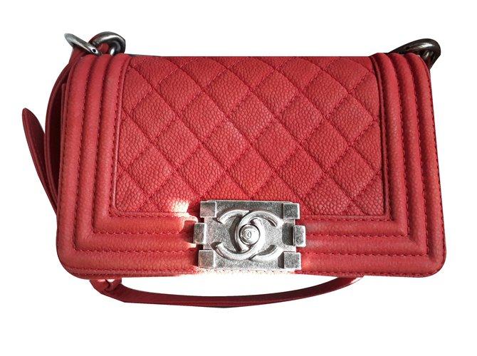 6348c3491fd8da Chanel Handbags Handbags Leather Red ref.47473 - Joli Closet