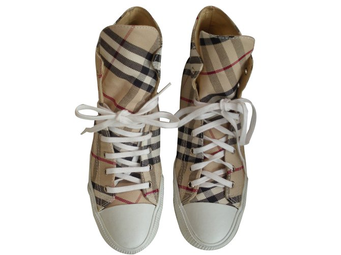 Burberry Sneakers Sneakers Cloth Multiple colors ref.47584