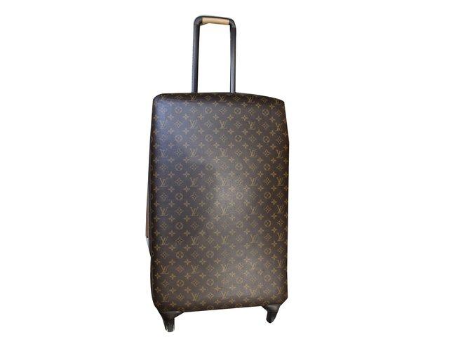4202bd89dc37 Louis Vuitton Zephyr 70 Travel bag Leather Brown ref.47687 - Joli Closet