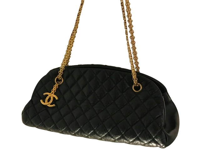 5f34a843b1e0 Chanel Chain Mademoiselle Bowling Bag in Quilted Aged Calfskin Handbags  Leather Black ref.47693