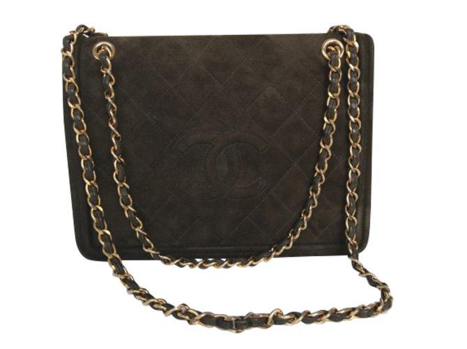 dbc7fa4dbf0 Sacs à main Chanel Sac vintage Daim Kaki ref.47750 - Joli Closet