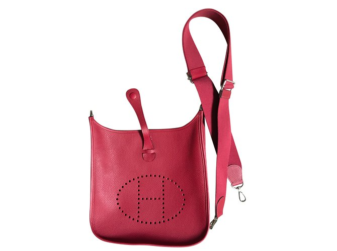 1fc8b9a0acf7 Hermès Evelyne III 29  PM Handbags Leather Dark red ref.47798 - Joli ...