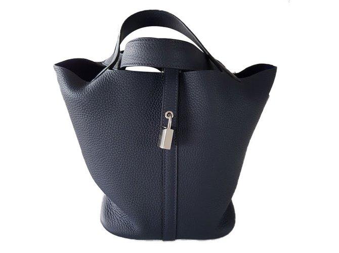 5b75a3839382 Hermès Picotin Handbags Leather Navy blue ref.47859 - Joli Closet