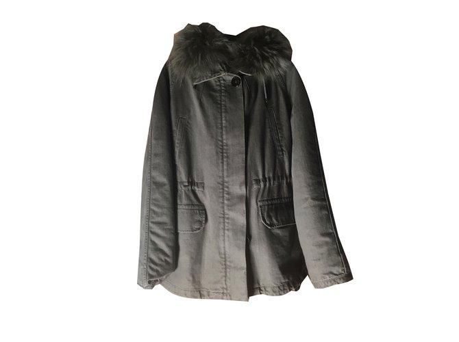 Yves Salomon Army Yves Salomon Coats, Outerwear Fur Grey ref.48061