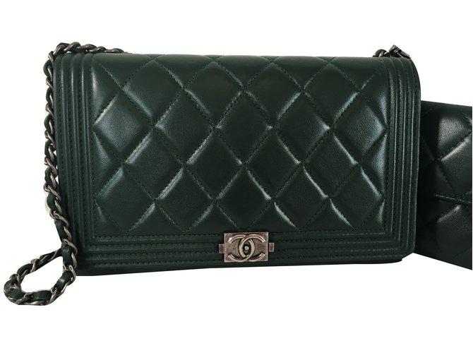 Sacs à main Chanel pochette Boy Cuir Vert ref.48255