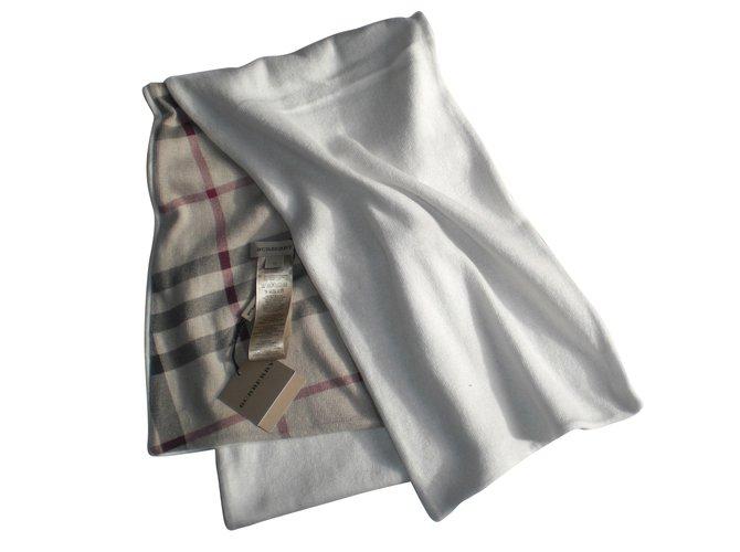Foulards, écharpes enfants Burberry Echarpe Coton Crème ref.48270