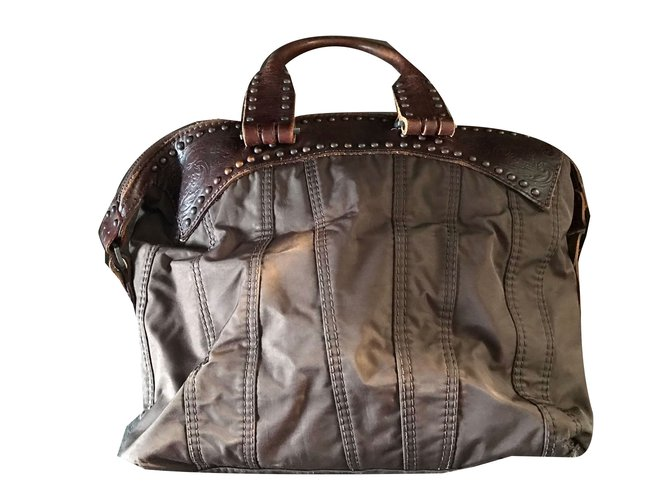 3d077bf81218 Diesel Handbags Handbags Leather Dark brown ref.48463 - Joli Closet