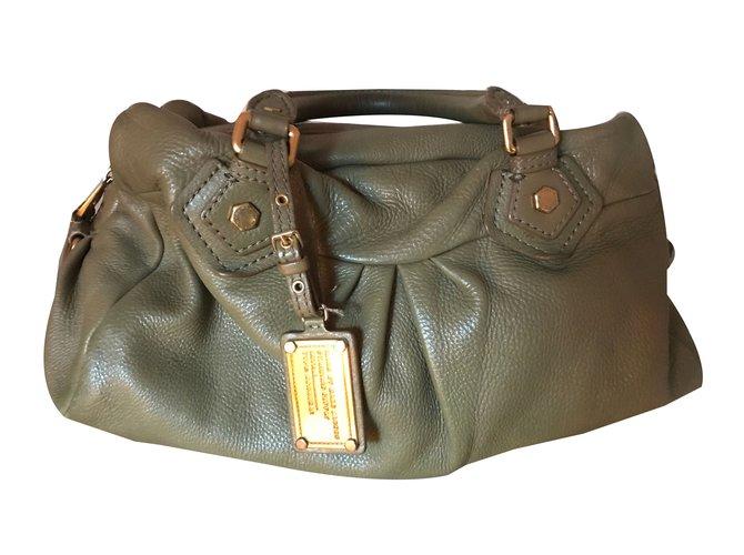 Marc by Marc Jacobs Handbags Handbags Leather Other ref.48542 - Joli ... d4c65b059b79e