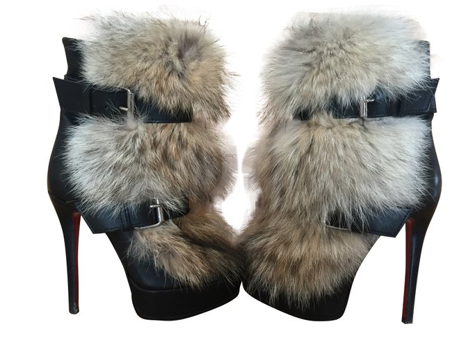 61ac9a523f1 Christian Louboutin Toundra Ankle Boots Leather Black ref.50037 ...