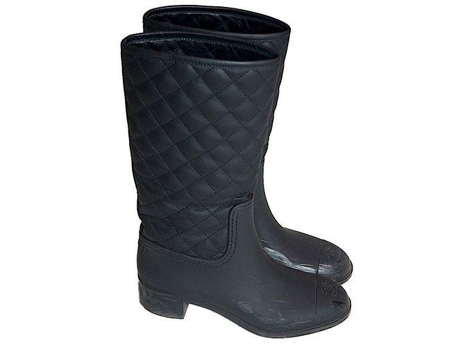 Bottes Chanel Bottes de pluie Chanel Cuir,Caoutchouc Noir ref.50800 ... 7a5663e755f
