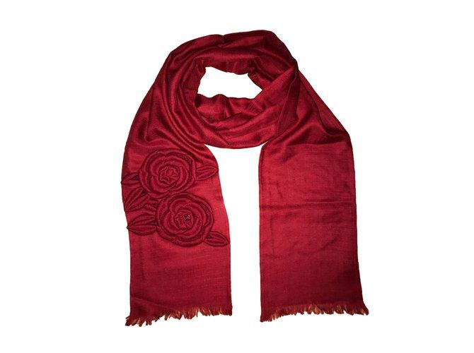 Foulards Chanel Echarpe Cachemire Rouge ref.51462 - Joli Closet e489b9c6919