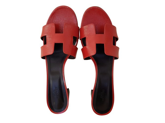 75bc75a08b41 Hermès OASIS EPSOM VERNIS Sandals Patent leather Red ref.51922 ...