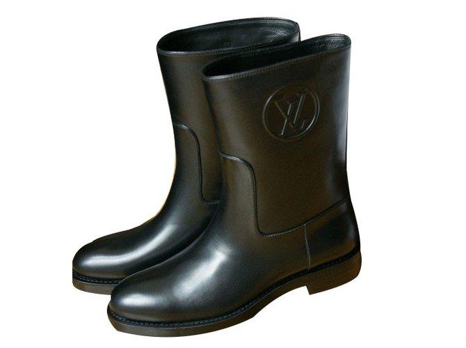 7f7989472e60 Bottines Louis Vuitton Overdrive flat half boot Cuir Noir ref.52130 ...