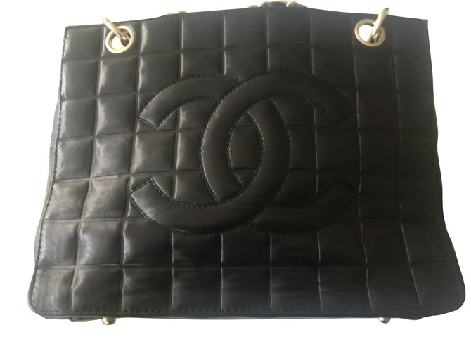 Sacs à main Chanel Sac à main Cuir Noir ref.52761