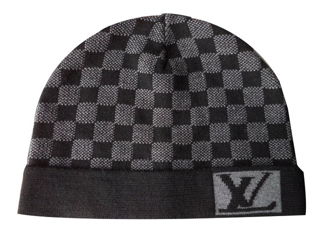 2fb4aecaba2 Louis Vuitton Hats Beanies Hats Beanies Wool Grey ref.53168 - Joli ...