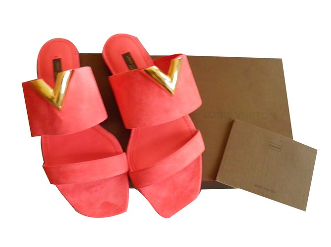 d9c007823bbaf Louis Vuitton new wave Sandals Suede Pink ref.53398