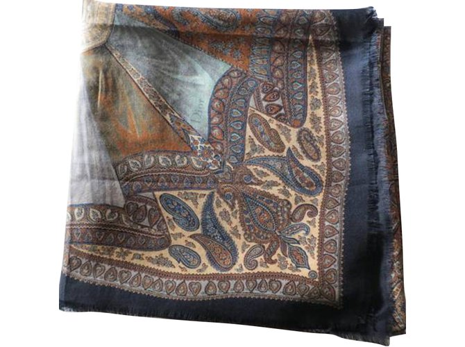34220ce6db Foulards Christian Dior -Grande étole en laine, vintage Laine Multicolore  ref.53606