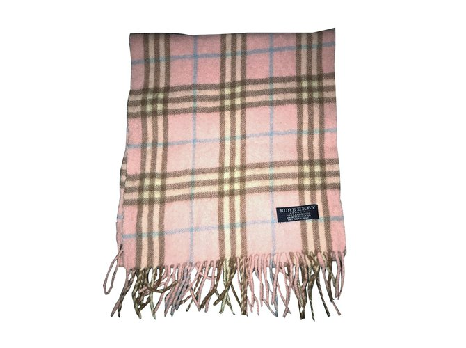 6f771e0dcc9a Foulards Burberry Foulards Laine Rose ref.53731 - Joli Closet