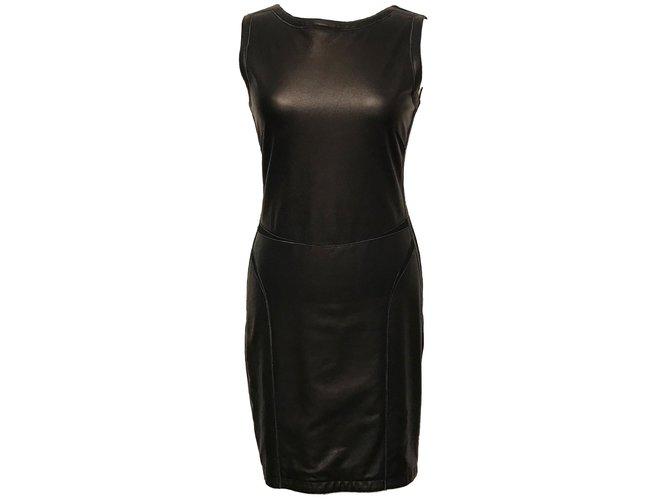 8b6ba270c9f Source:https://www.jolicloset.com/en/designers-women/theory/womens-clothing/ dresses/dresses--54777