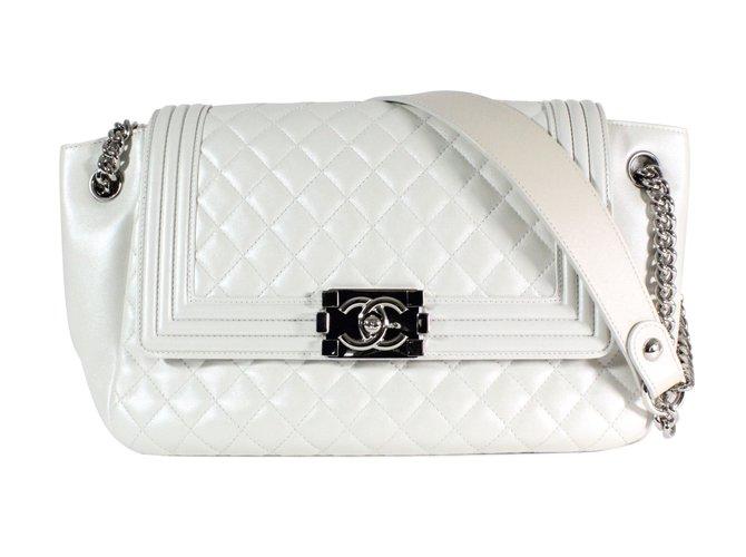 Sacs à main Chanel Boy Cuir Blanc ref.54788