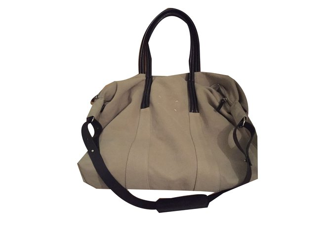 e6b347ffcdb4 Mm6 MM6 Travel bag Travel bag Leather Beige ref.55037 - Joli Closet