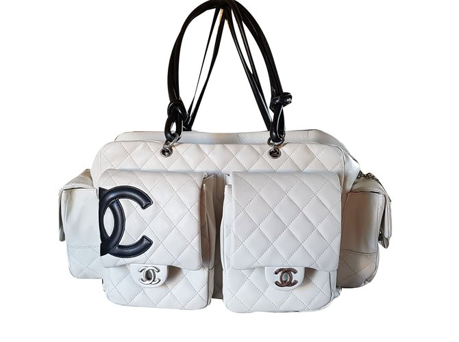 8404da79cf16 Sacs à main Chanel Cambon reporter Large cuir d agneau Crème ref.55162