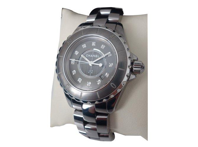 9d09c19b6f7 Montres Chanel MONTRE CHANEL J12 CHROMATIC 33MM Céramique Gris ref.55512