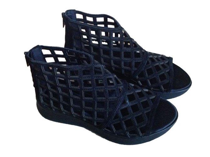 Burberry Espadrilles Espadrilles Leather Black ref.56275